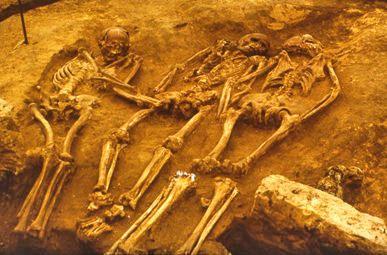 Triple-entierro-de-Dolni-Vestonice-en-la-República-Checa