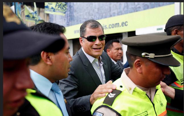 Rafael Correa... Abandona el poder¡¡¡