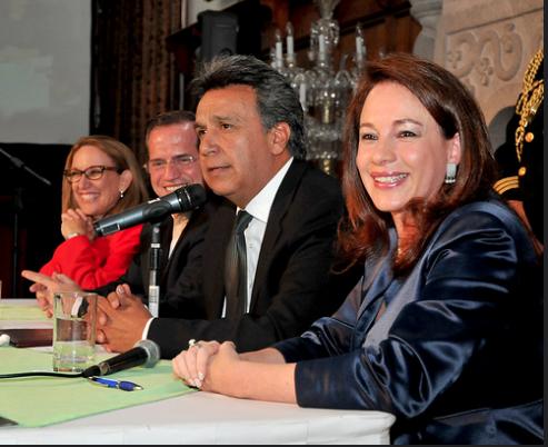 María Fernanda Espinosa hunde más a Lenín Moreno