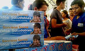Sonrisas más saludables con pasta dental Evo Morales